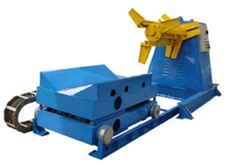ประเทศจีน 5 Tons Capacity Steel Coil Decoiler With 4KW Power Motor Controlling System ผู้ผลิต