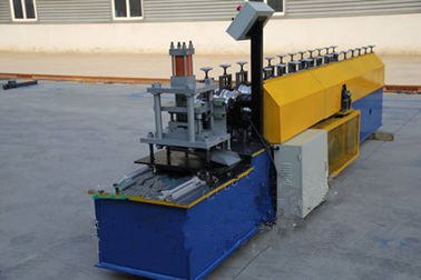 ประเทศจีน Industrial Steel Roller Shutter Forming Machine For 0.3 - 0.8mm Thickness Sheet ผู้ผลิต